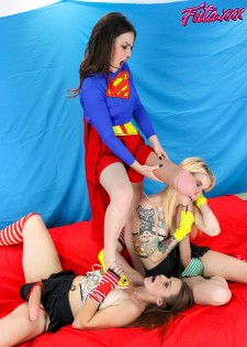 Super Heroine Shlong Showdown!